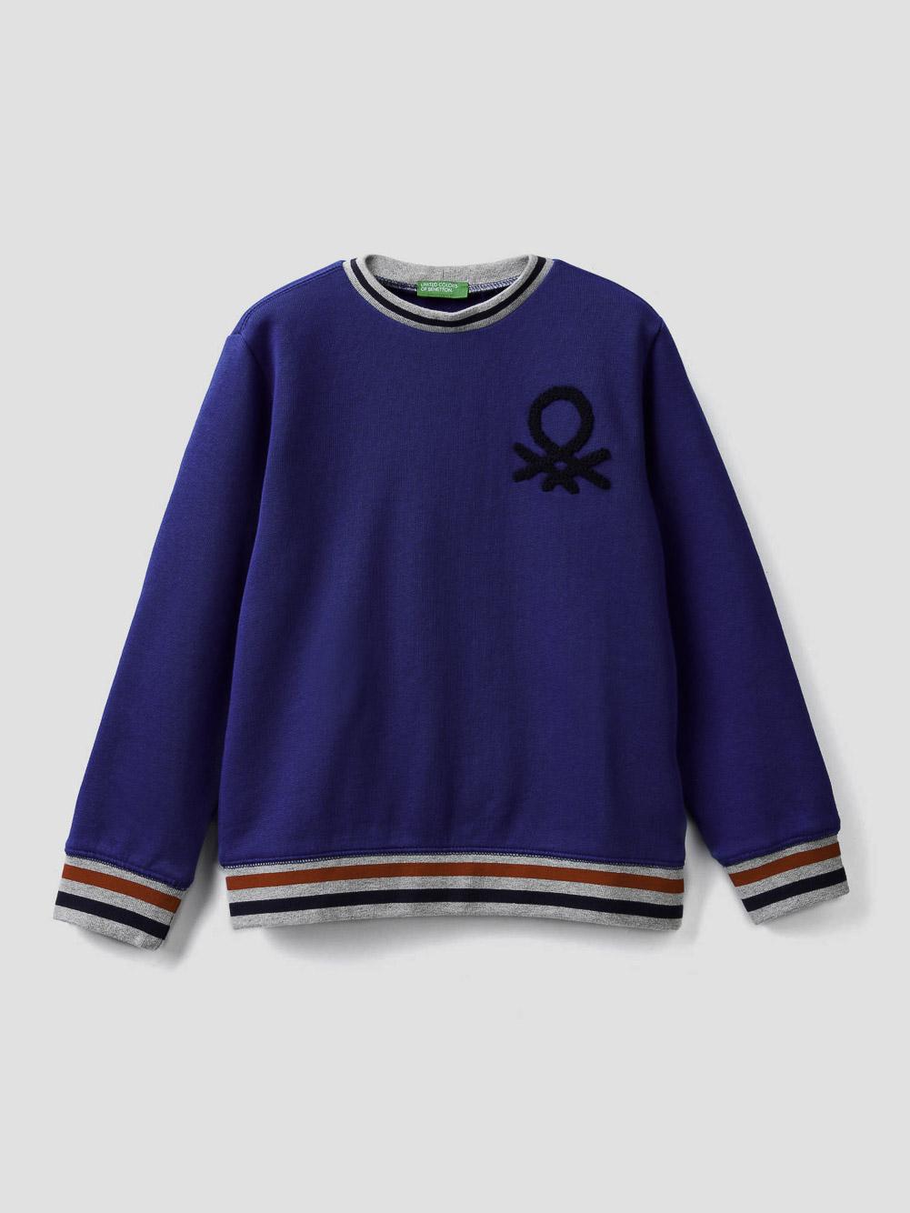 012 BENETTON Μπλούζα φούτερ μα λαιμόκοψη και κεντητό λογότυπο 3J68C14YI 20A19R